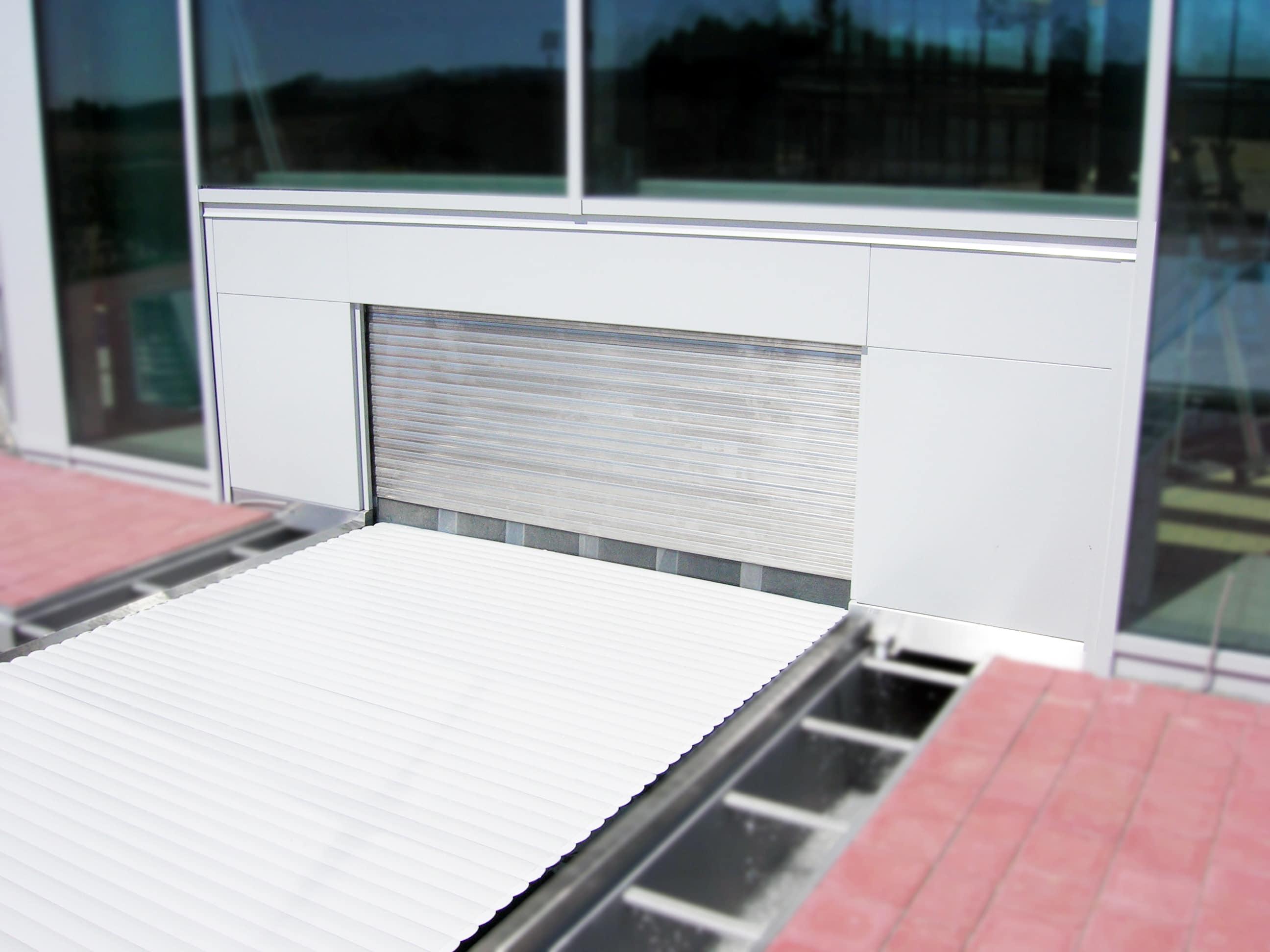Séparation verticale du bassin - Rollo Solar Melichar GmbH - Cloison Rideau