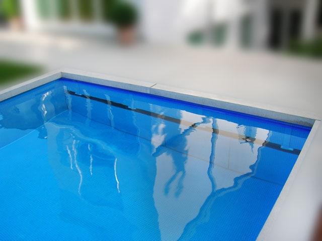 Schachtblende mit Fliesenblechen - Unterflur - Rollo Solar